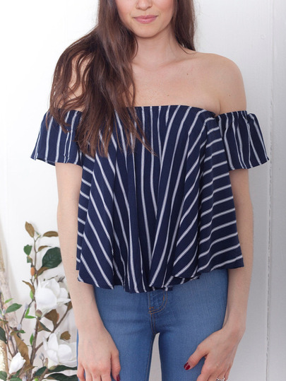 http://es.shein.com/Striped-Off-the-shoulder-Swing-Top-p-268201-cat-1733.html?utm_source=anouckinhascloset.blogspot.com&utm_medium=blogger&url_from=anouckinhascloset