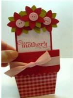 http://manualidadesparaninos.biz/tarjeta-maceta-dia-de-la-madre/