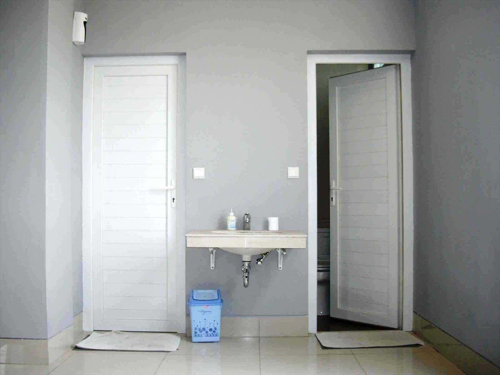 Desain Pintu Kamar Mandi Modern