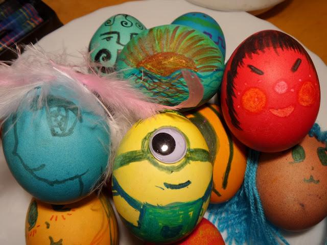 Pisanki glinkowe, mazakowe, piórkowe, włóczkowe i kolorowe