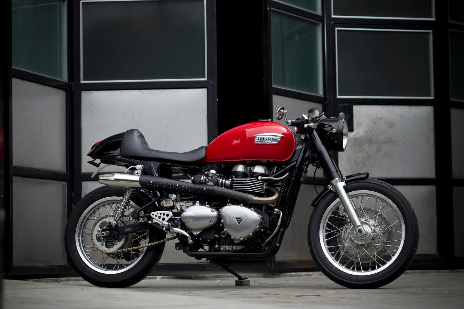 benjies cafe racer triumph thruxton ~ return of the cafe racers