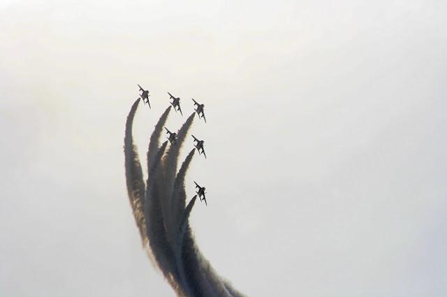 ブルーインパルスの写真