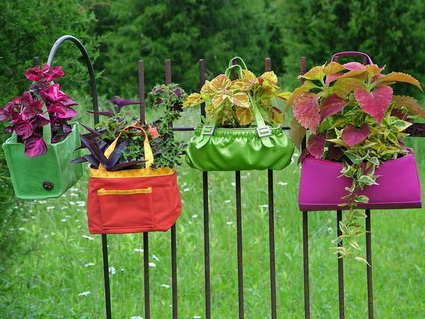 Homemade Planters With Recycled Objects 4