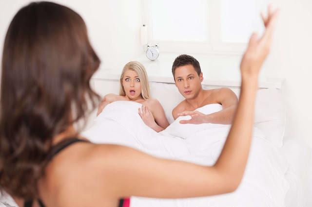 Menurut Penelitian, ini Alasan Mengapa Orang Berselingkuh