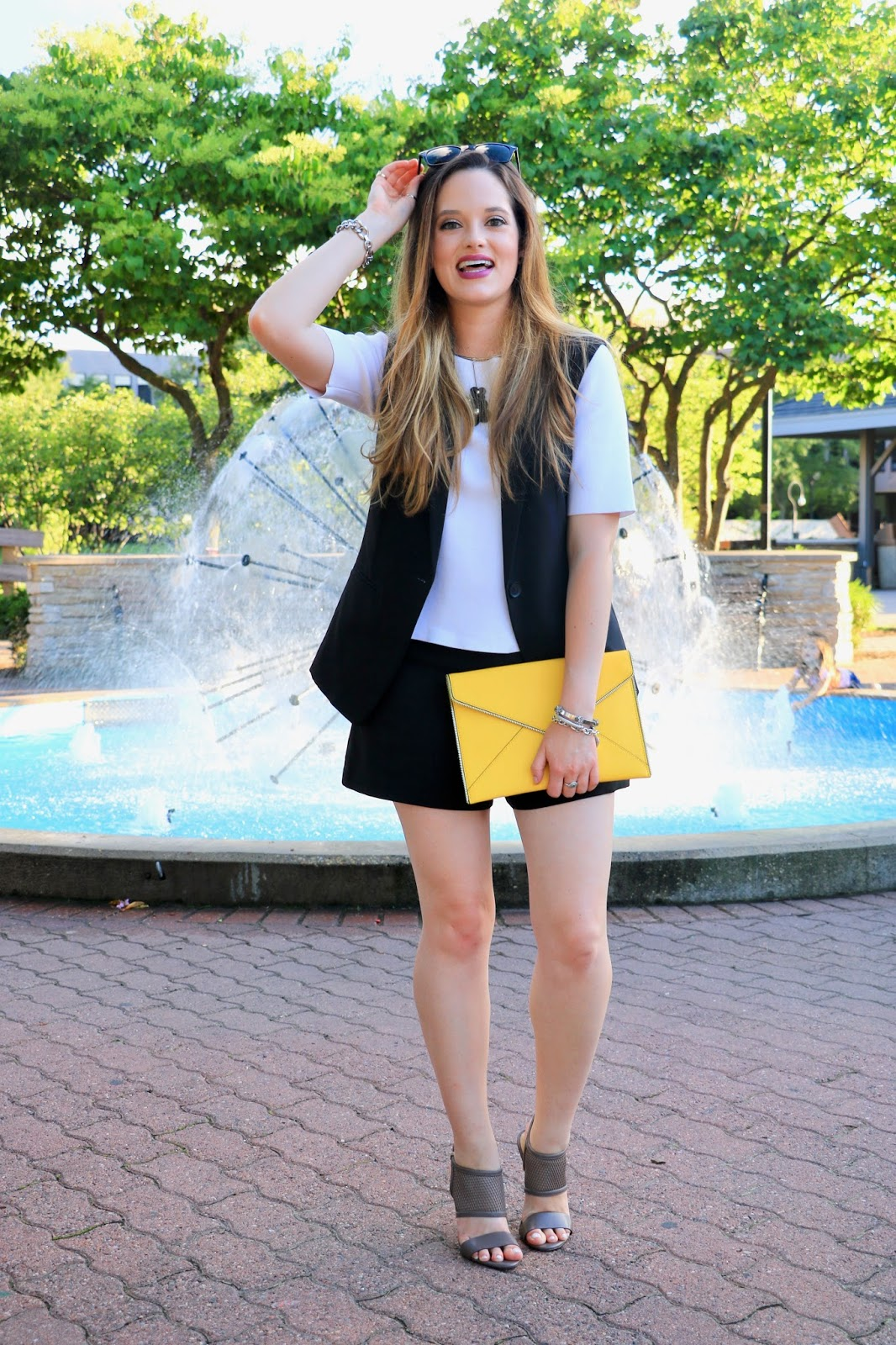 NYC fashion blogger Kathleen Harper of Kat's Fashion Fix giving shorts outfit ideas
