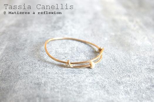 Bague perle de nacre Tassia Canellis bijoux : fine et dorée
