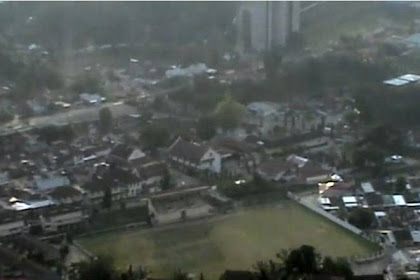Memandang Indahnya Kota Sawahlunto dari Puncak Polan