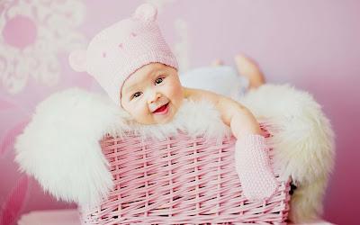 sevimli-gülen-bebek-duvar kağıtları