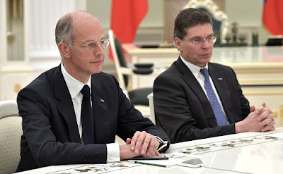 BASF President and CEO Kurt Bock (left) and BASF Chief Financial Officer Hans-Ulrich Engel.