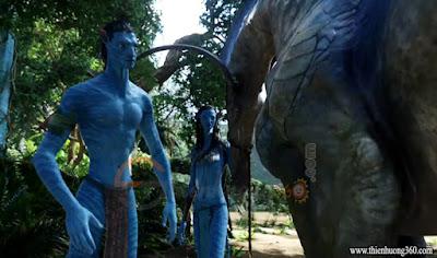 Avatar (2009): Neytiri đã dạy Jake cách sống của người Navi