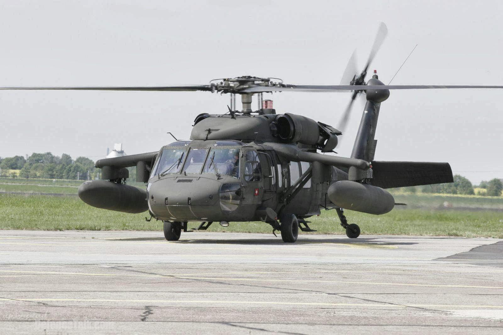 Aircraft Photo of 90-26303 | Sikorsky UH-60L Black Hawk (S