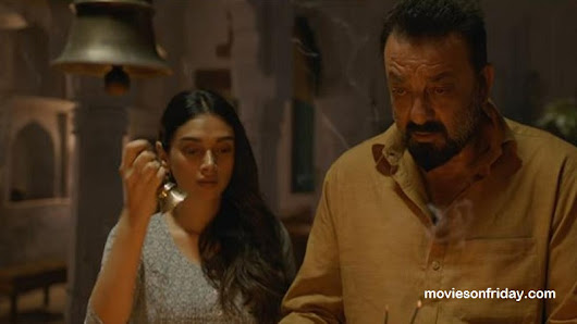 Bhoomi Movie Review : Weak Story But Powerful Performance
