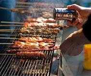BARBECUE AND HEALTH: Zoom on vertical cooking