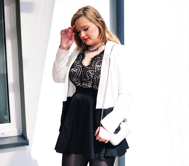 czarne sukienki, rozkloszowana sukienka