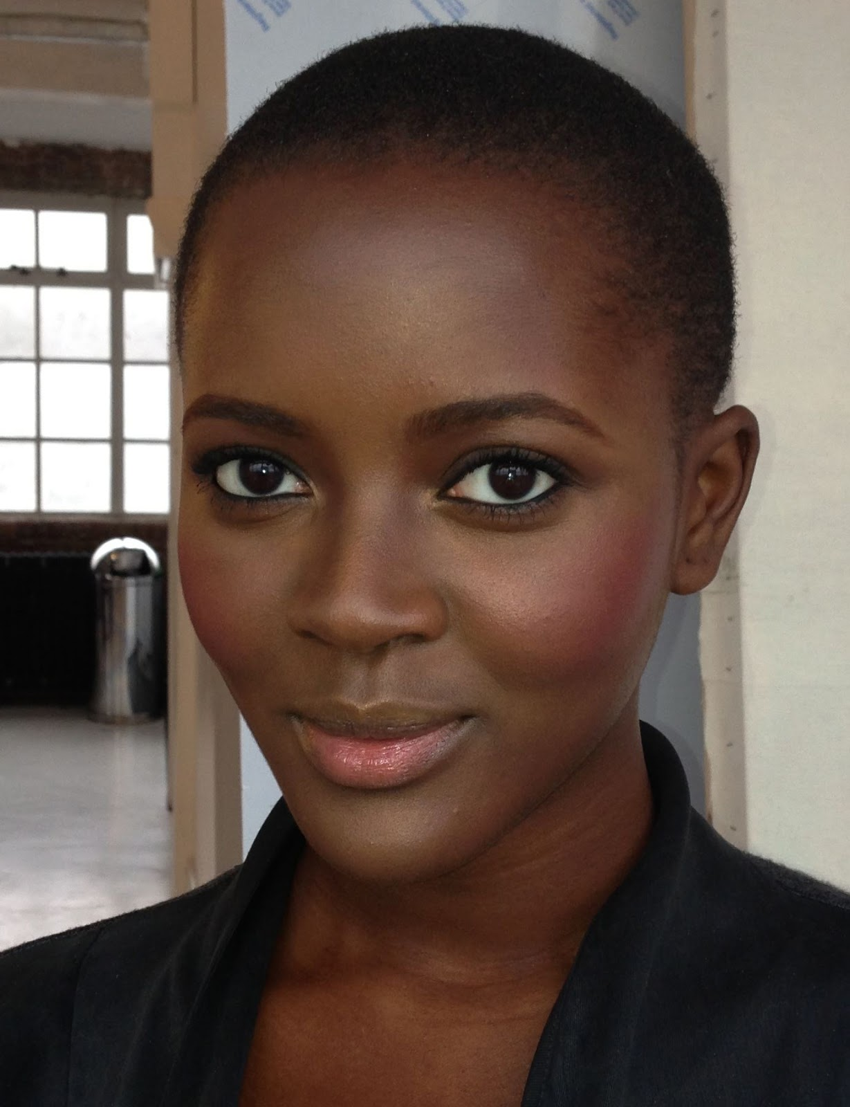 Simple Make-Up For Dark Skin