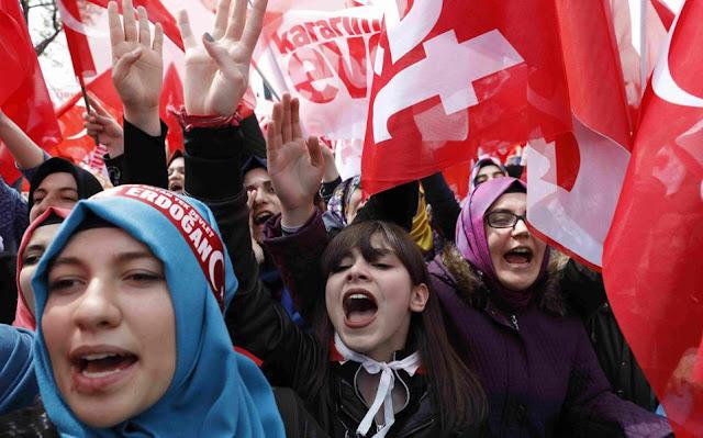 Τουρκικό δημοψήφισμα: Τα δύο σενάρια που βλέπει η Αθήνα