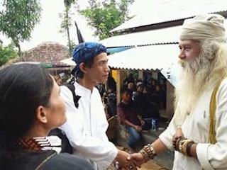 Fungsi Iket dan Totopong Sunda