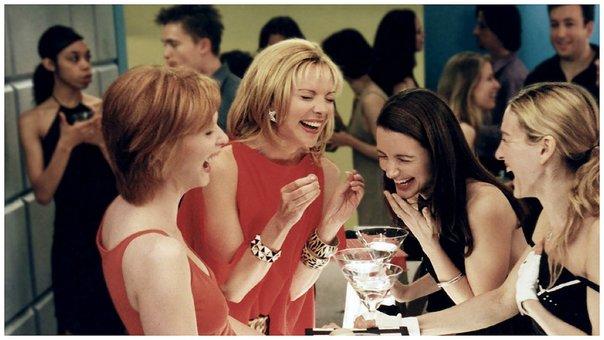 Según estudio mujeres necesitan salir con amigas dos veces por semana por su salud