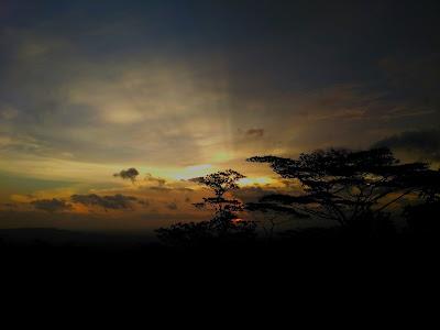 Senja Bukit Klumprit credit mutaya