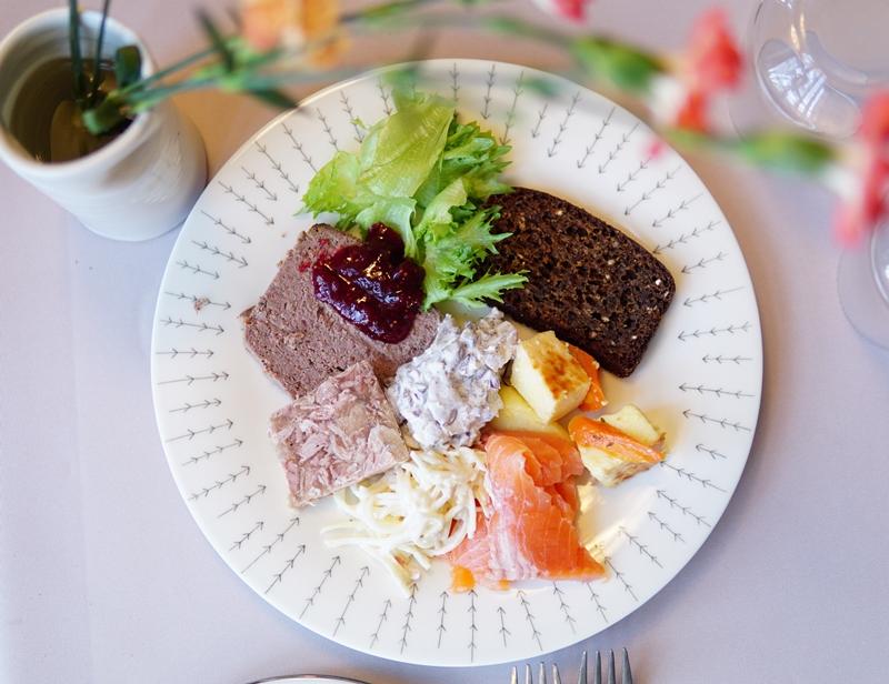 Ravintola, kuparipaja, Fiskars, joululounas