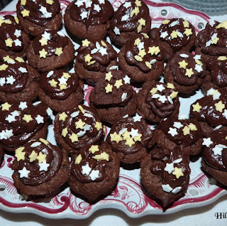 https://danslacuisinedhilary.blogspot.com/2013/02/cupcakes-tout-chocolat-super-chocolate.html
