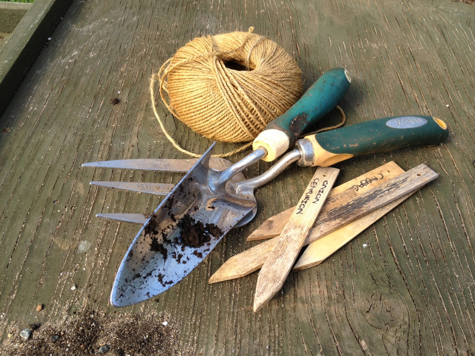 Monkton elm news events and tips blog garden equipment for Garden maintenance tools