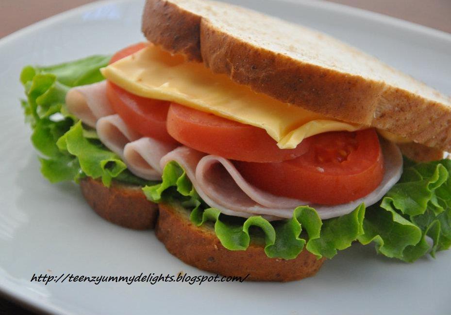 Yummy Delights !: Turkey Sandwich