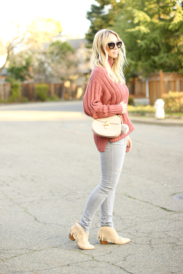 casual outfit blogger style ripped denim nordstrom grey skinny jeans rust chunky knit sweater sweater and jeans style chloe drew bag blush saddle bag pouf on purse parlor girl barbie relaxed outfit fringe booties free people tan suede booties with fringe