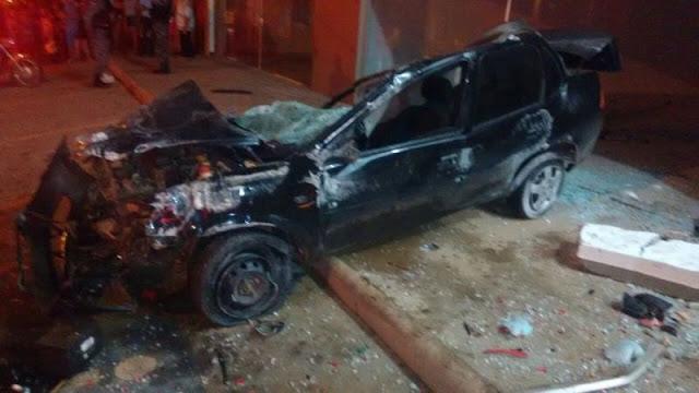 Apenado bêbado atropela bicicleteiro, capota carro e acaba invadindo farmácia em Ariquemes