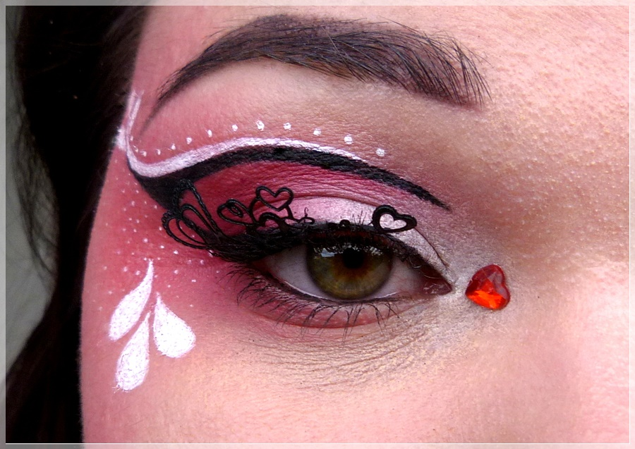 valentines' day eye make up