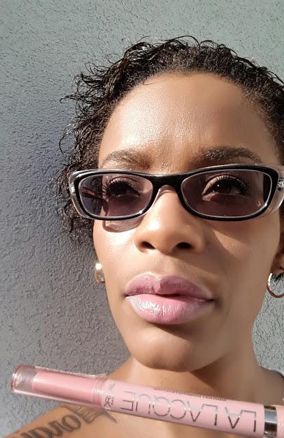 L'Oreal Colour Riche La Lacque 'Choco-Lacque' Lip Pen swatch www.modenmakeup.com