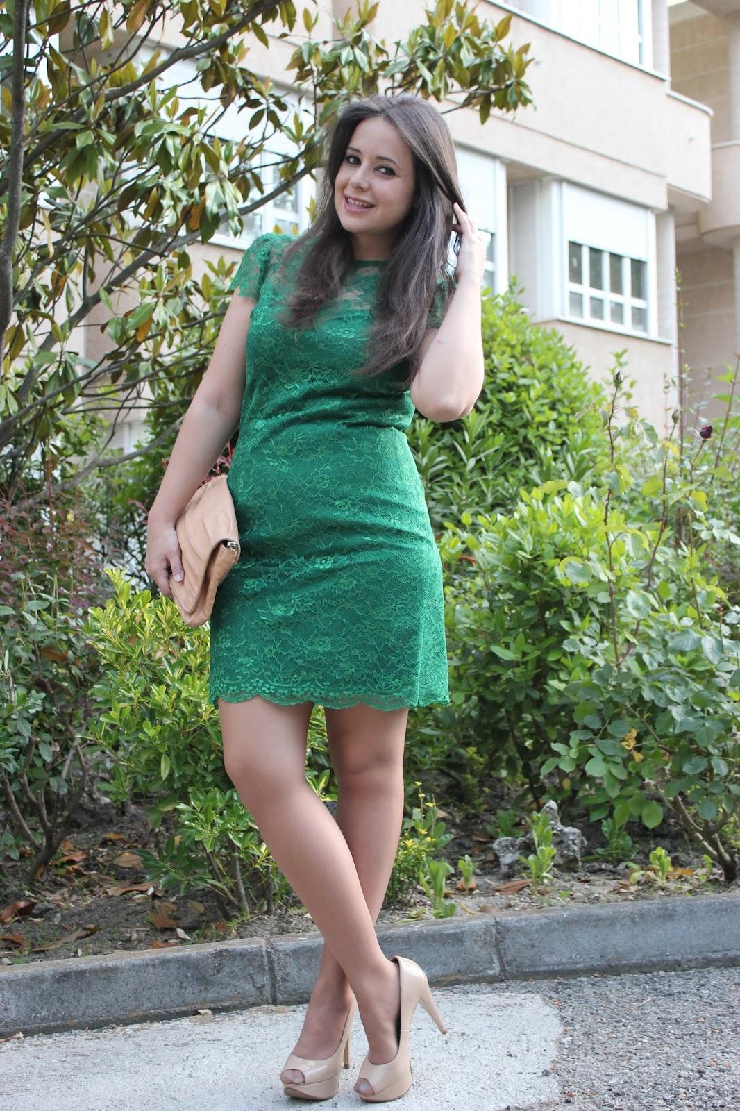 4144ea8bd DIY costura  Vestido de encaje y escote de corazón