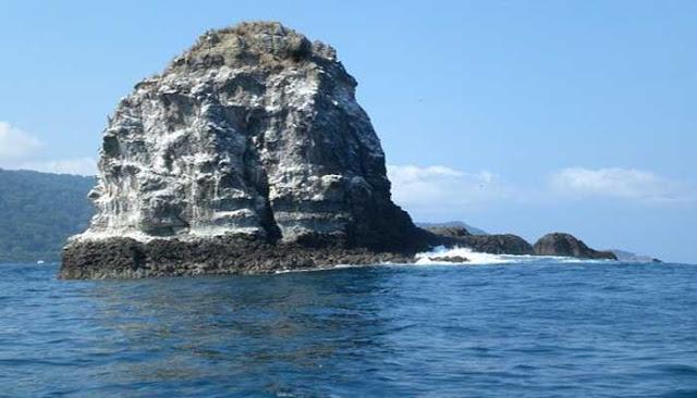 Pulau Batu Mandi