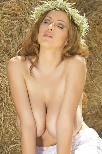 JOCA-Kybele-hot-busty-sexy-Photoshoot-Pic-19