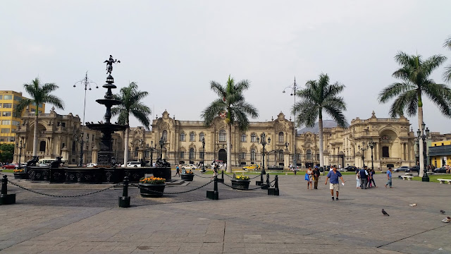 Lima, Peru, Melanie.Ps, The Purple Scarf, Travel, South America, Backpacking, Explore, Woman, Canadian, Tourist, Plaza Mayor, Government Palace