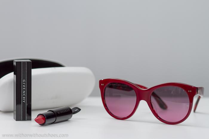 Novedades temporada en gafas de sol y belleza maquillaje color rojo de labios bonito de Givenchy