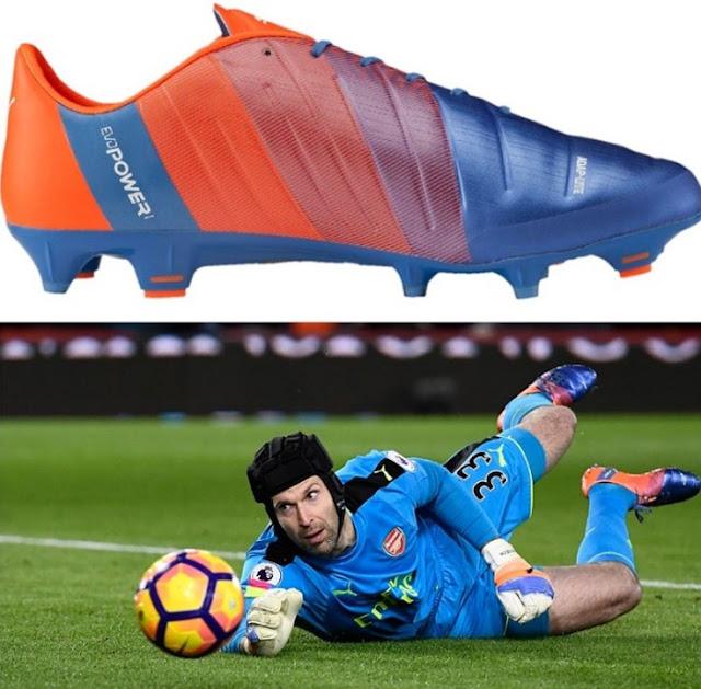 Δείτε ποια παπούτσια φοράνε οι ποδοσφαιριστές και πόσο ΚΟΣΤΙΖΟΥΝ... [photos] tromaktiko11888