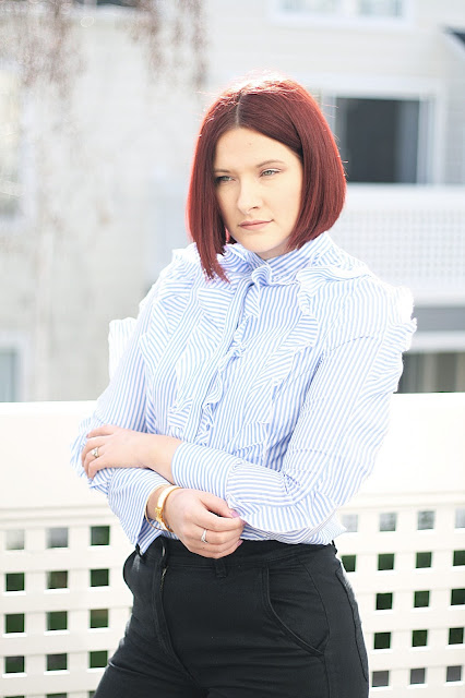 ruffle stripe blouse, SheIn, womenswear, fashion blogger, red hair