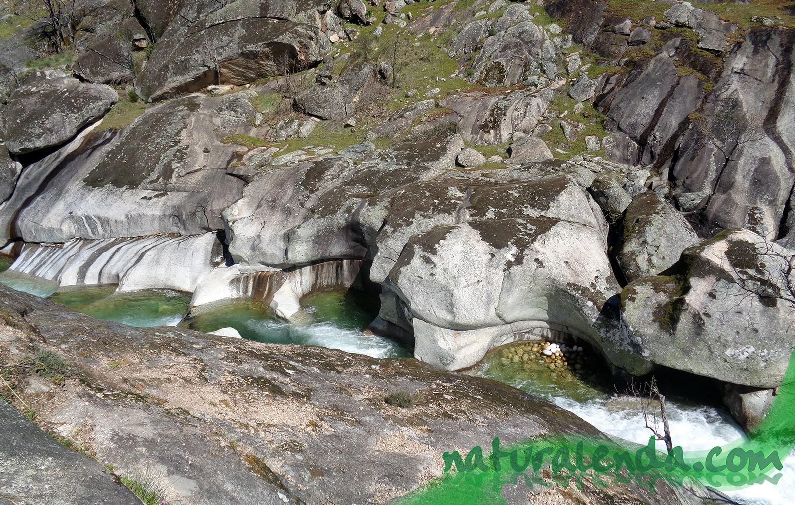 las curiosas formaciones de piedra