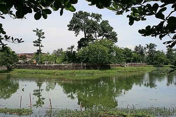 hồ Tịnh Tâm Huế
