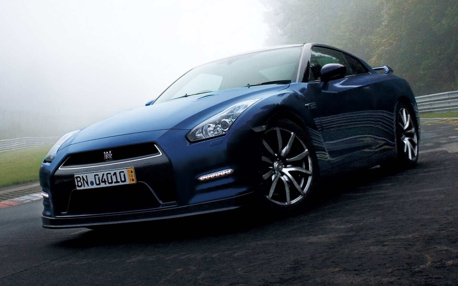 2014 nissan gt r new cars reviews. Black Bedroom Furniture Sets. Home Design Ideas