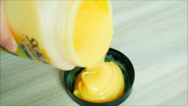 cabelos, skala, bomba de banana, cabelos com mais brilho, máscara capilar, tratamento capilar, desmaia cabelo, óleo de rícino, aloe vera, d-pantenol