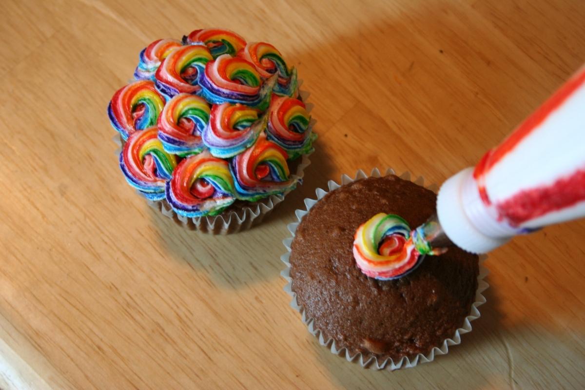 Rainbow Cake Decorating Video