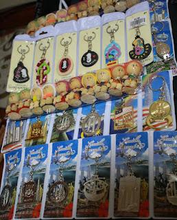 oleh oleh khas singapura, oleh-oleh khas singapua murah, souvenir singapura, gantungan kunci singapura,