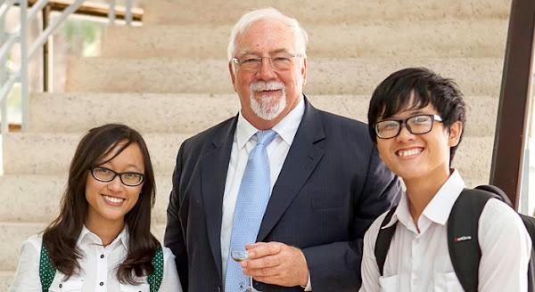 first optometrist of vietnam