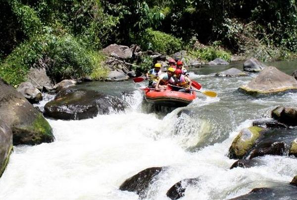 Arung jeram di Sungai Nimanga - Sulawesi Utara