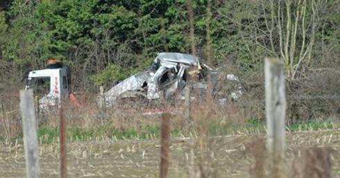 le drame près de Mons ce midi: le train n'a pu évité le choc