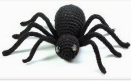 http://translate.google.es/translate?hl=es&sl=en&tl=es&u=http%3A%2F%2Fwww.yanaknits.com%2Fprojects%2Fhalloween-spider%2F