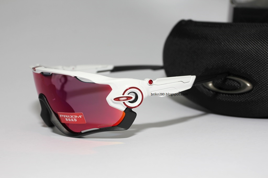 7dcd7120229 amazon oakley jawbreaker