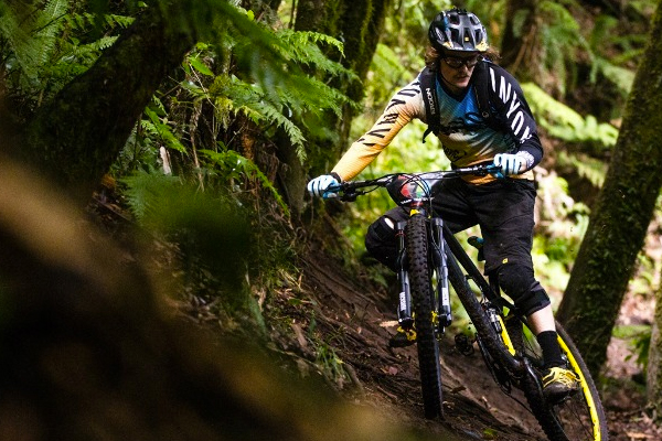 Canyon Factory Enduro Team: 2015 Ep 1 Joe Barnes in Rotorua